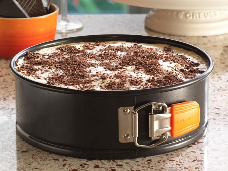 LE CREUSET-圓形扣環蛋糕烤模(B)